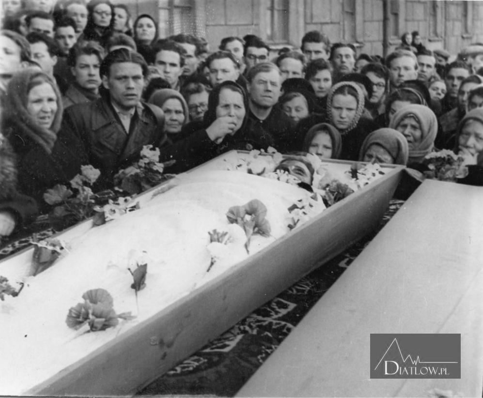Przełęcz Diatłowa, Zina Kołmogorowa pogrzeb
