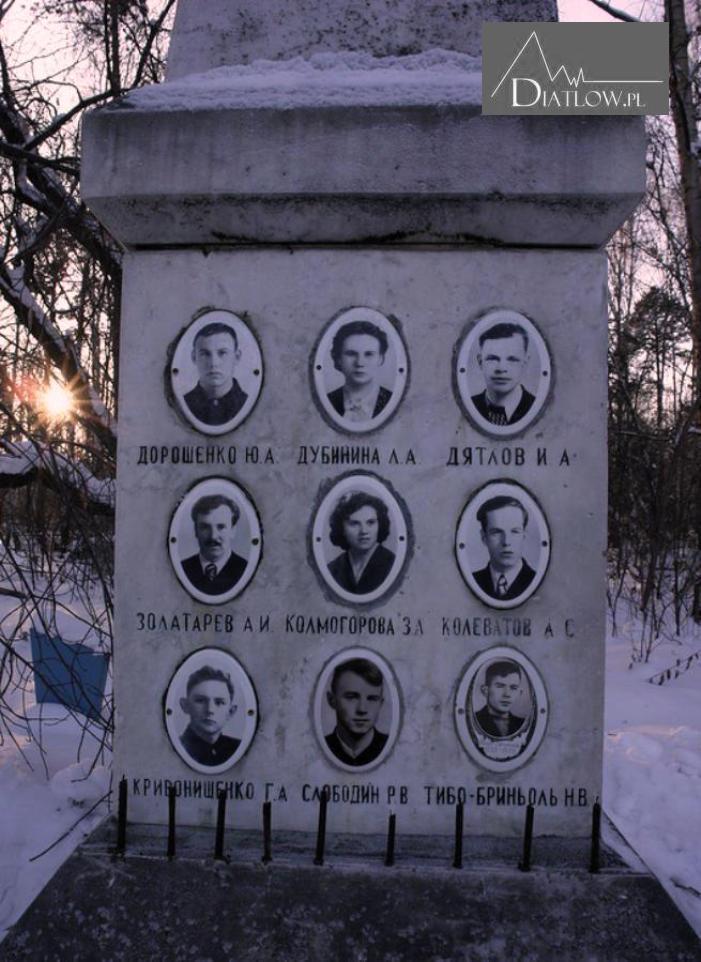 Przełęcz Diatłowa - pomnik, cmentarz