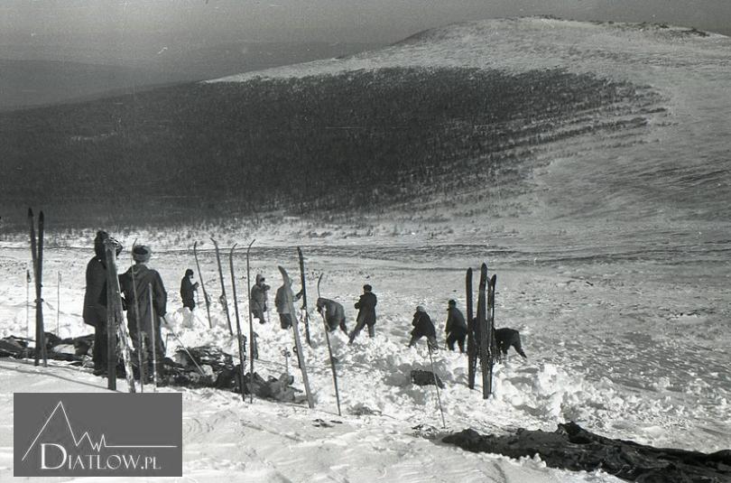 Przełęcz Diatłowa, deska śnieżna