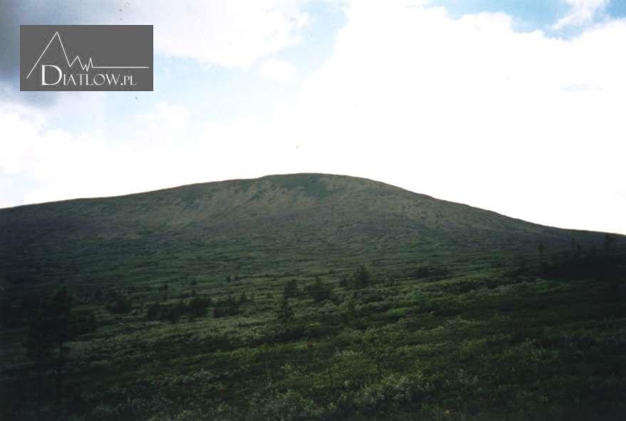 Chołatczachl, Przełęcz Diatłowa